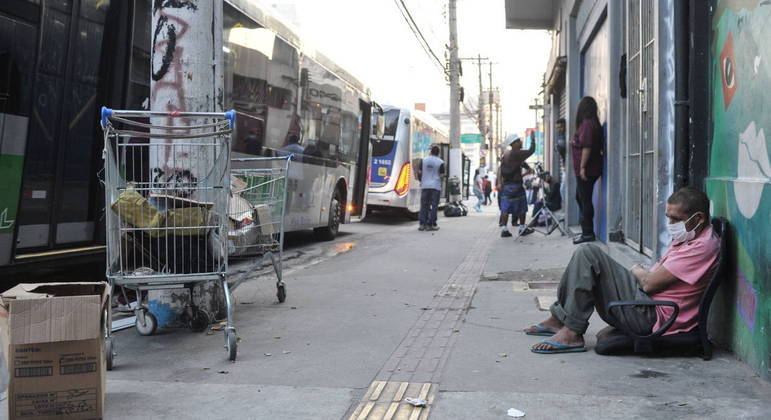 Cidade de SP busca população em situação de rua para vacinar contra a Covid-19