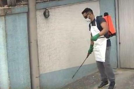 Jovem investiu R$350 em equipamentos para realizar higienização