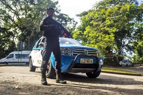 Ao menos 27 veículos foram multados na operação integrada