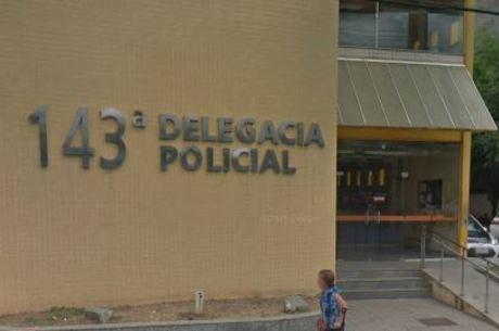 Policiais da 143ª DP (Itaperuna) prenderam o suspeito