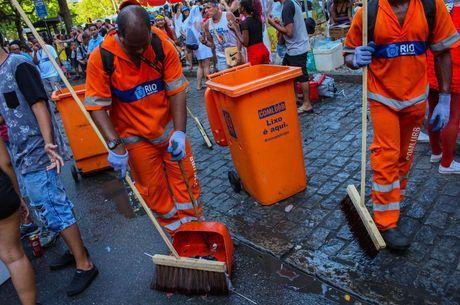 Garis recolhem 762 toneladas de resíduos no Réveillon 2020