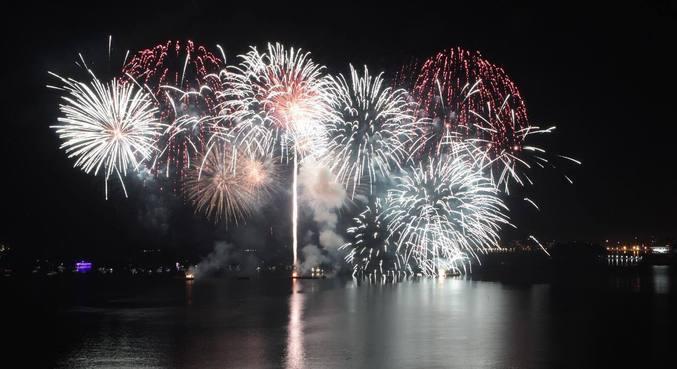 Golpistas cobram R$ 800 por ingresso para festa falsa de ano novo
