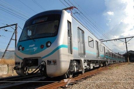 Trens voltarão a circular integralmente na 2ª-feira