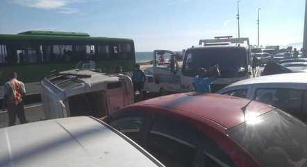 Reboque bateu em ao menos seis carros