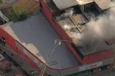 Incêndio em mercado deixou dois mortos e dois feridos