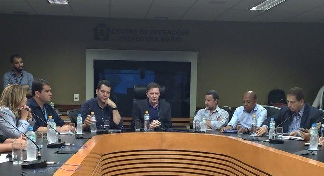 Prefeitura do Rio realizou coletiva na manhã de terça (12) para anunciar medidas