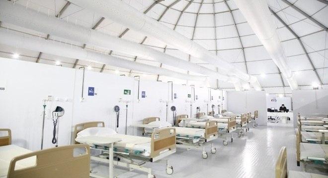 Governo do Estado abriu um hospital de campanha no Leblon com capacidade reduzida