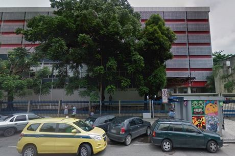 Homem foi levado ao Hospital Souza Aguiar