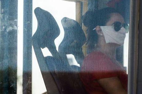 Uso de máscaras ainda é  obrigatório nos transportes