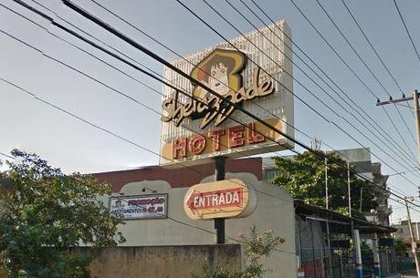 Casal foi atingido em entrada de motel