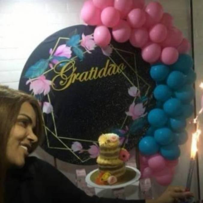 Flordelis comemorou 60 anos com festa feita pelos filhos e amigos