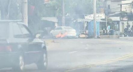 Protesto interditou vias na tarde desta terça-feira (9)