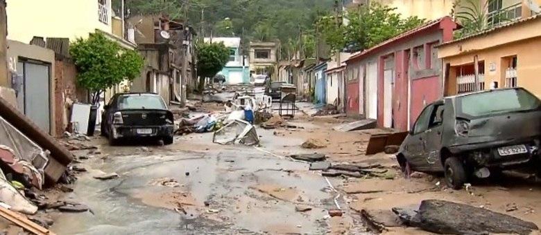 Realengo, na zona oeste da capital, foi castigado pelo temporal do fim de semana