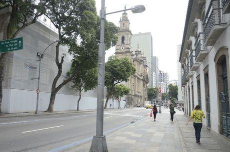 Ruas têm menos movimento que o normal no Rio