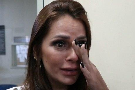 Shanna chorou ao falar de crimes contra família