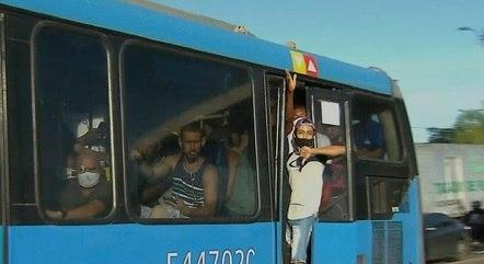 Passageiros reclamam de condições do BRT
