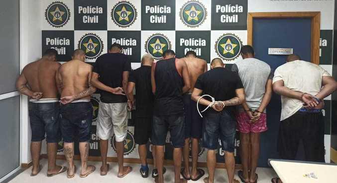 Nove narcomilicianos são presos enquanto vendiam drogas