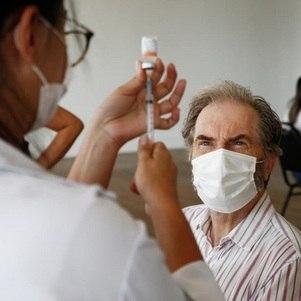 Rio vacina homens com 58 anos de grupos prioritários nesta quinta (29)