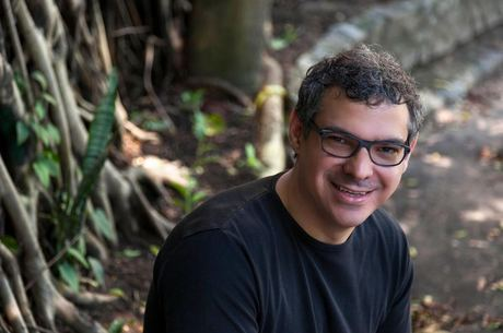 Carlos Cardoso lançou terceiro livro de poesias