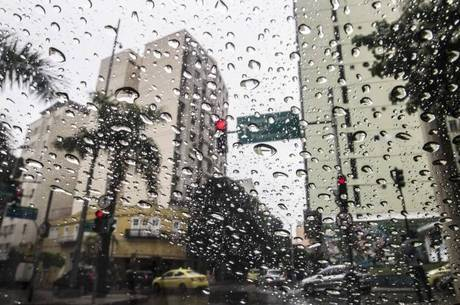 Frente fria muda o tempo no Rio a parte de sábado (24)