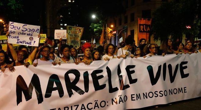 Ato em memória de Marielle e Anderson: um mês de investigações sem respostas