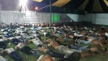 __MP pede soltura de 138 presos em suposta festa da milícia no Rio__ (Reprodução/Record TV Rio)