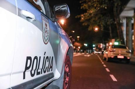 Polícia prendeu suspeitas nesta segunda-feira (8)