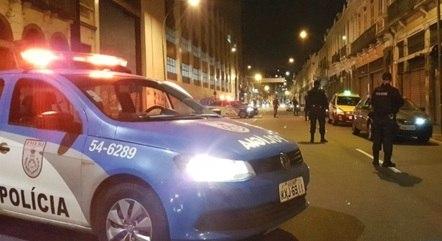 Policias do 9º BPM (Rocha Miranha) foram até o local do crime