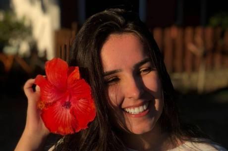 Maria Fernanda foi eletrocutada após encostar em grade energizada
