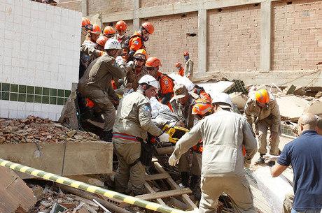 Nove pessoas morreram após desabamento
