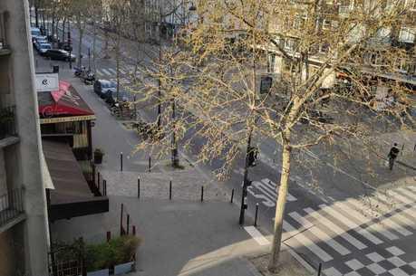 Avenidas de Paris vazias durante quarentena