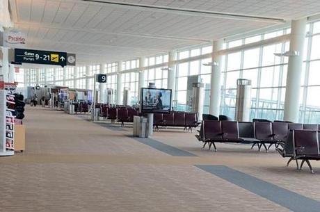 Voos cancelados deixam aeroportos vazios no Canadá