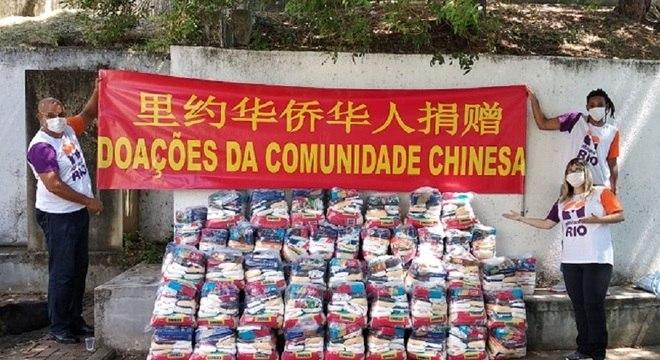 Mais de 700 cestas básicas são distribuídas em oito comunidades do Rio