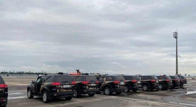 Policiais cumprem mandados de prisão e busca e apreensão no Rio e em Santa Catarina
