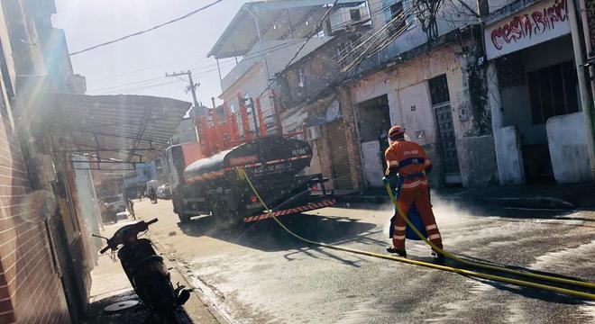 Comlurb intensifica higienização nas comunidades do Rio