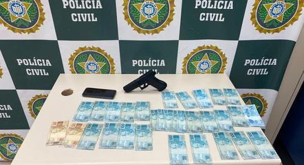 O sequestrador obrigou a vítima sacar R$ 3.500