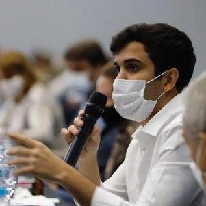 O secretário Renan Ferreirinha é contra a suspensão de aulas presenciais