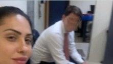 Mãe tirou selfie na delegacia ao depor sobre morte de Henry
