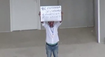 Pedido de ajuda foi flagrado pela Record TV Rio
