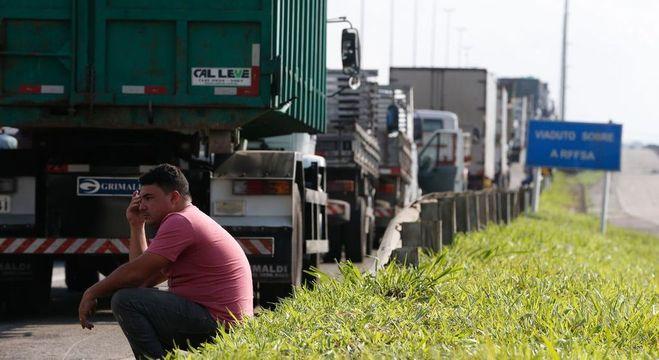 Com rotinas desgastantes, caminhoneiros sofrem de problemas de saúde