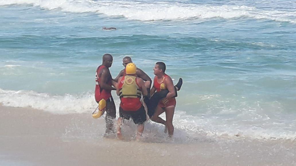 Helicóptero caiu ao mar no Rio de Janeiro