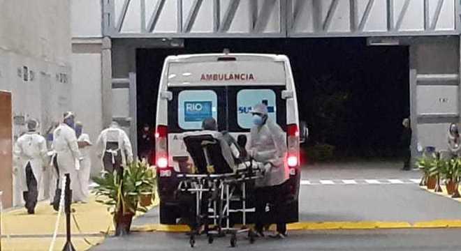 Pacientes chegaram à unidade horas após a inauguração da estrutura
