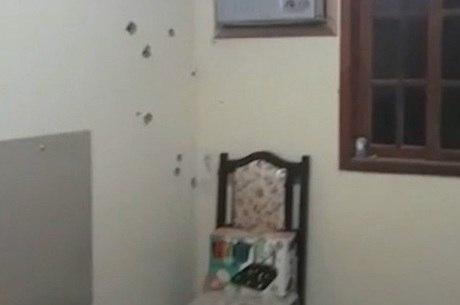 Casa onde vítima foi morta  está com 72 marcas de tiro