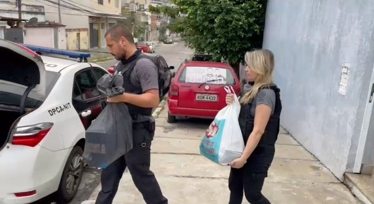 """Polícia Civil faz operação """"Pregão"""", contra desvios de verba pública de Seropédica, na Baixada Fluminense"""