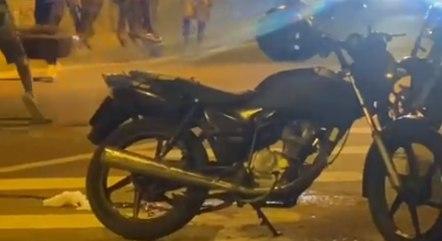 Mototaxista e passageiros são mortos perto da CDD