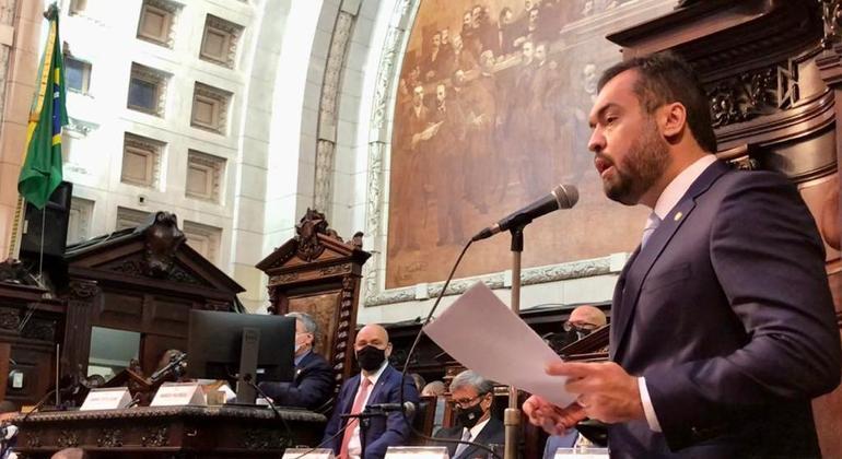 Cláudio Castro tomou posse como governador do Rio de Janeiro