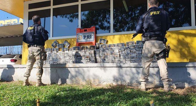PRF apreende 300 kg de cocaína em operação no Arco Metropolitano do Rio de Janeiro