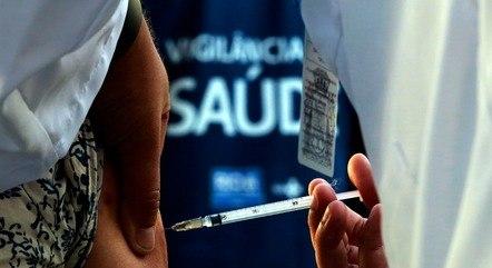 Rio quer vacinar 90% dos adultos até outubro