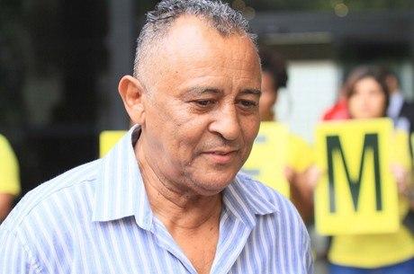 Antonio Francisco da Silva Neto tem quase 70 anos
