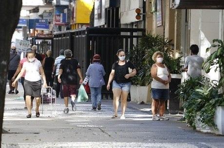 Comércio de rua vai funcionar em horário restrito